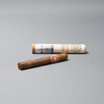 Купить Сигара генри упман (H.UPMANN) маленькая (junior) корона в Уфе в магазине Tabakos